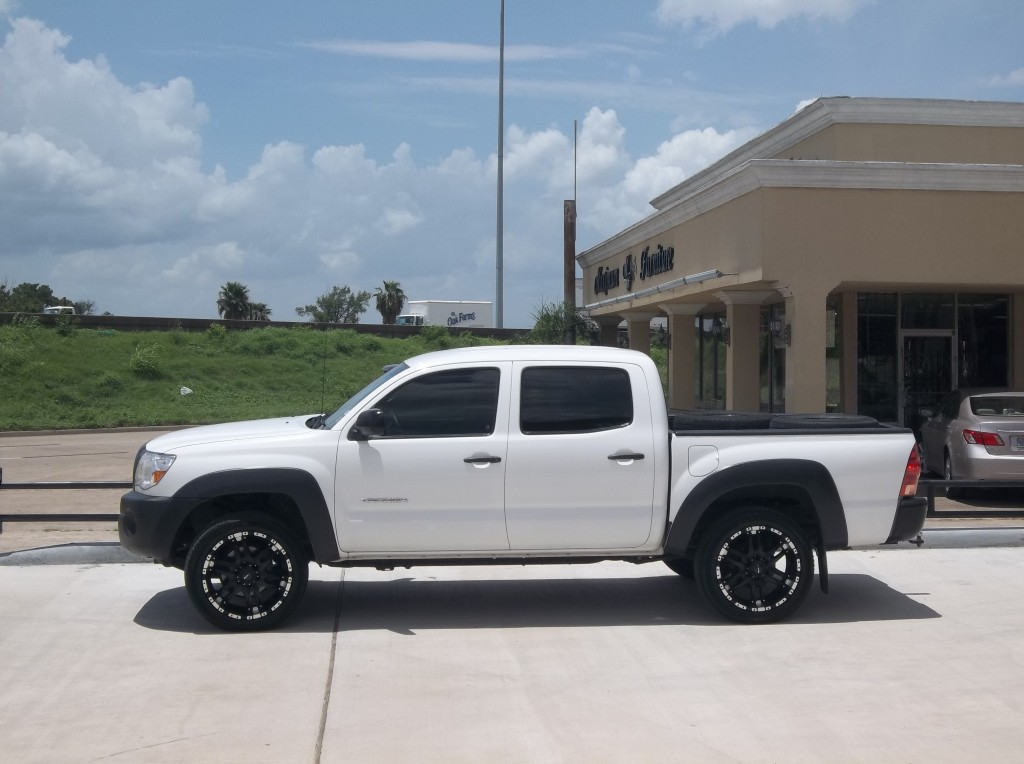 Toyota Tacoma Gallery Awt Off Road