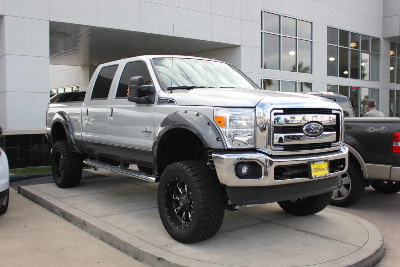 Ford F 250 4x4 With Fuel Throttle Wheels Awt Off Road