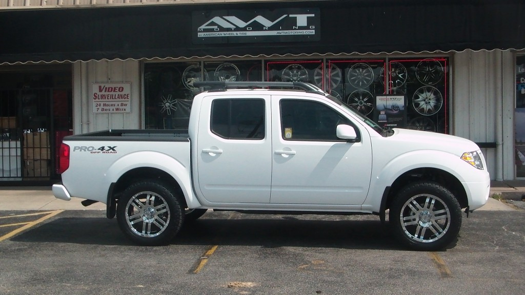 2012 Nissan Frontier PRO 4X Off Road With Moto Metal MO951 Wheels.