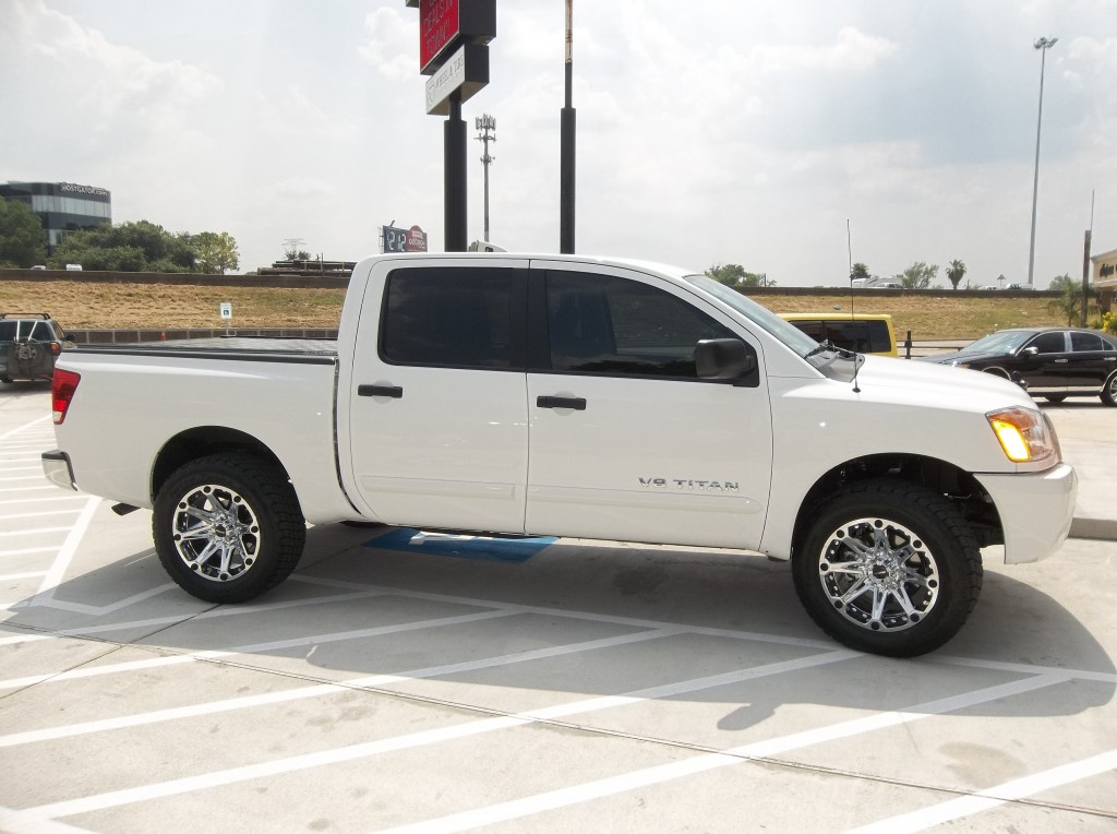 White Nissan Titan With Ballistic Jester Wheels 1024x764
